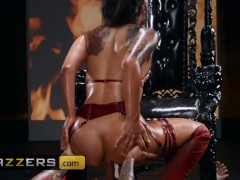 Brazzers - Thicc Devil Gina Valentina loves anal worship