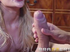 Brazzers - Slutty Babysitter Rhiannon Ryder makes some extra cash